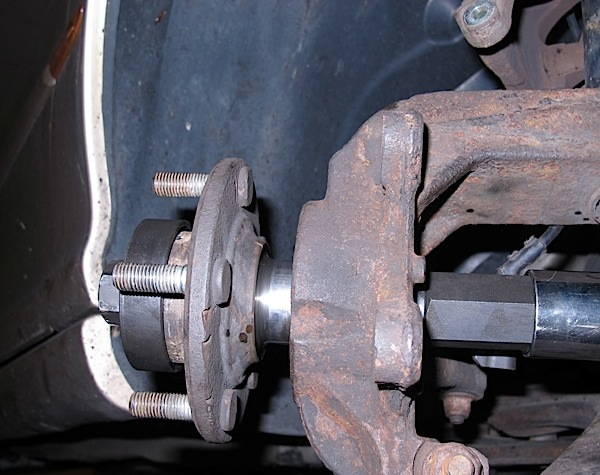 photo 10: pressing on the stub axle/flange