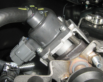 2006 ford fusion 2 4l engine diagram tech feature eliminating the con  fusion  of servicing ford s mid  tech feature eliminating the con