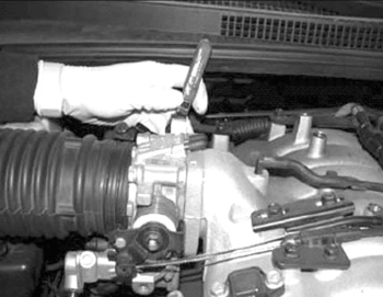 How To Clean 2009 Kia Sedona Throttle Body Tech Tip